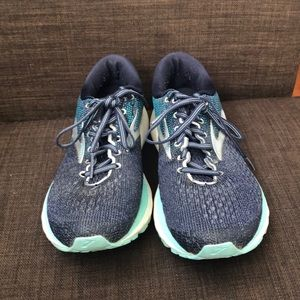 Brooks Ghost 11 Size 8W Running Shoes
